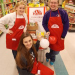 Frankfort Elberta NHS Students Help with Fall Food Drive